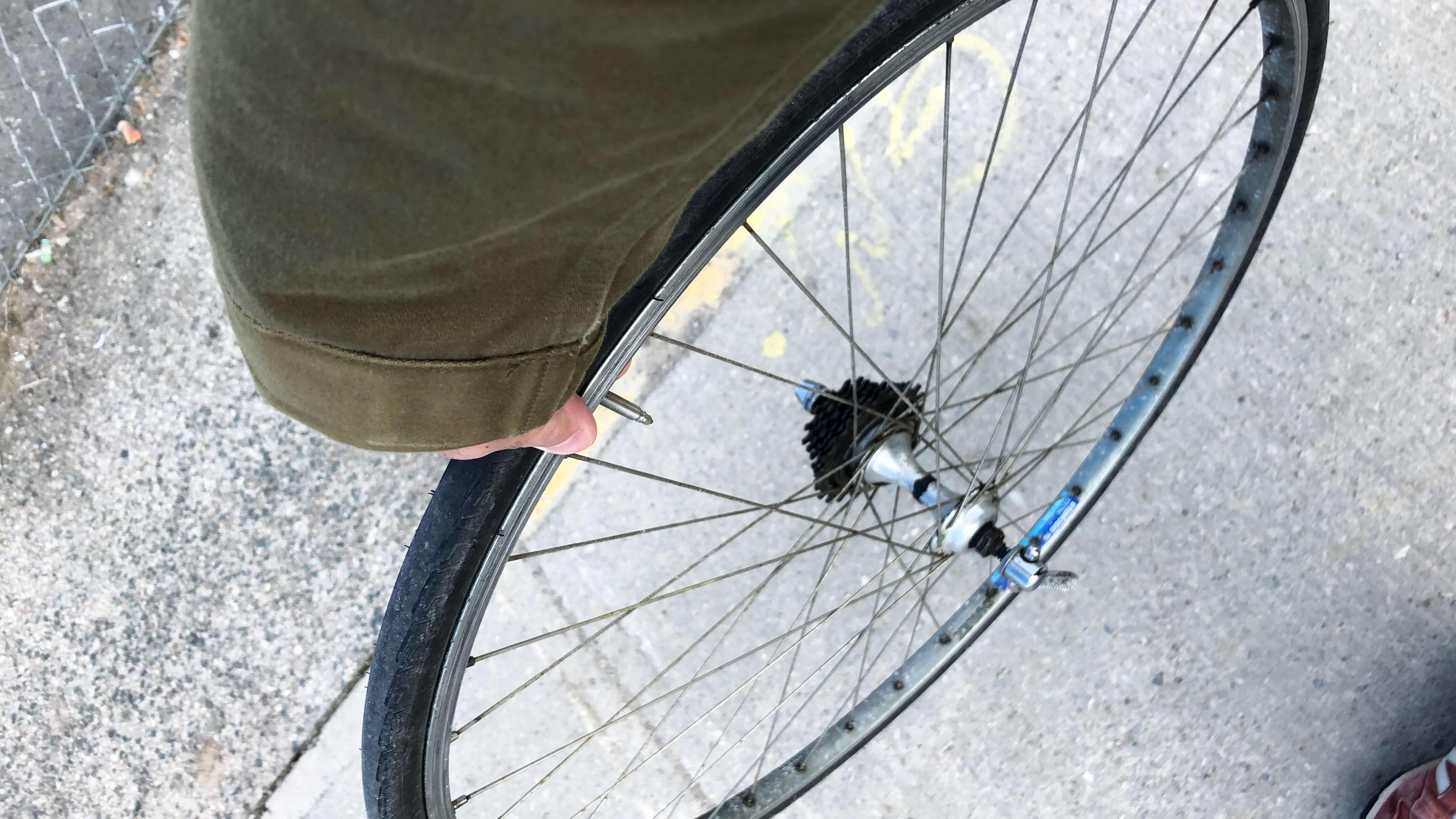 カナダ トロント 自転車修理