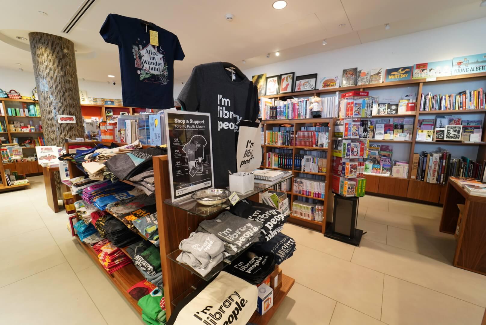 トロントリファレンスライブラリー横の雑貨屋