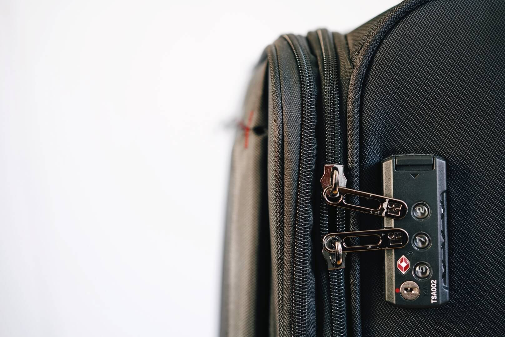 hideo wakamatsu fly2のスーツケースのTSA