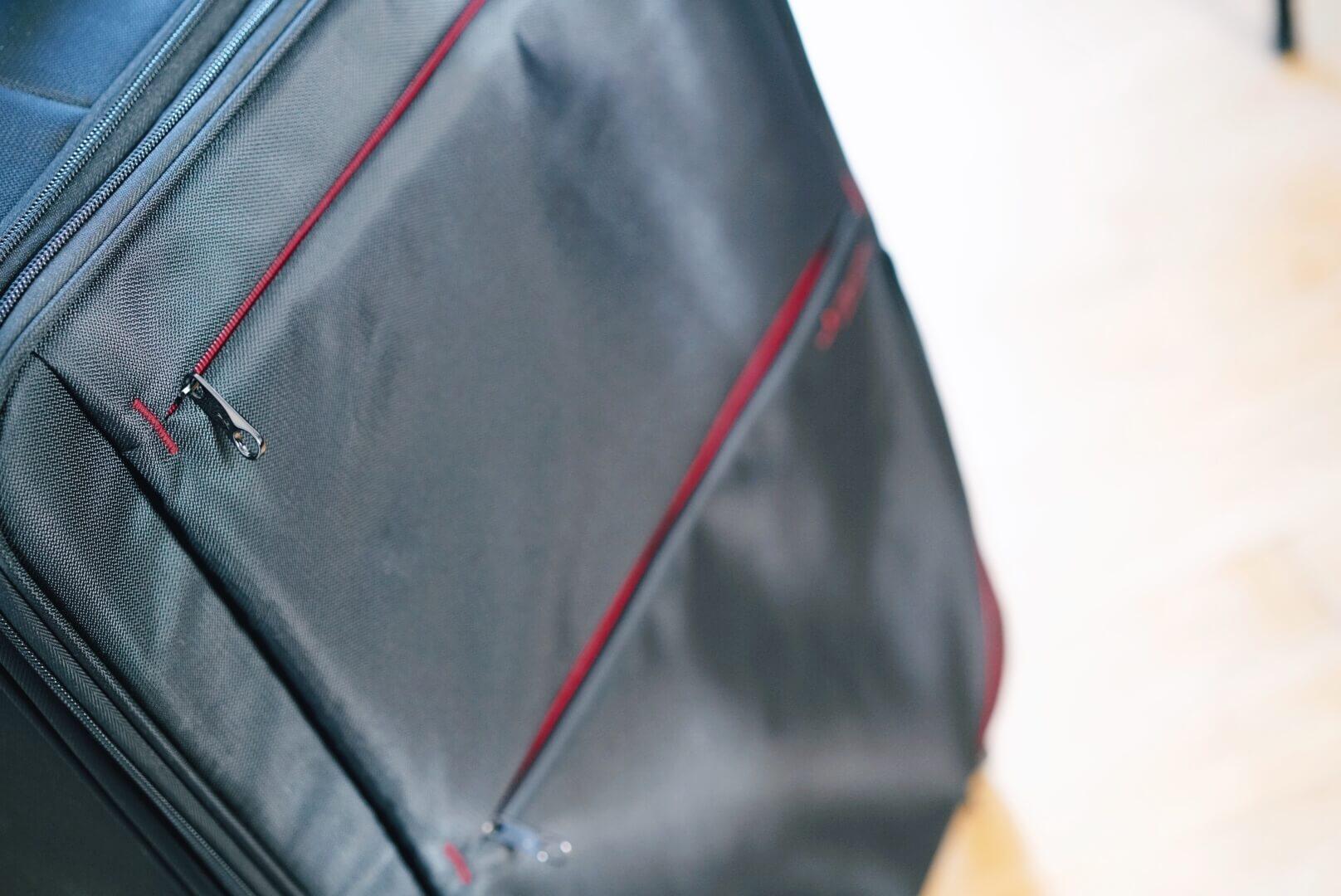 hideo wakamatsu fly2のスーツケースの外収納